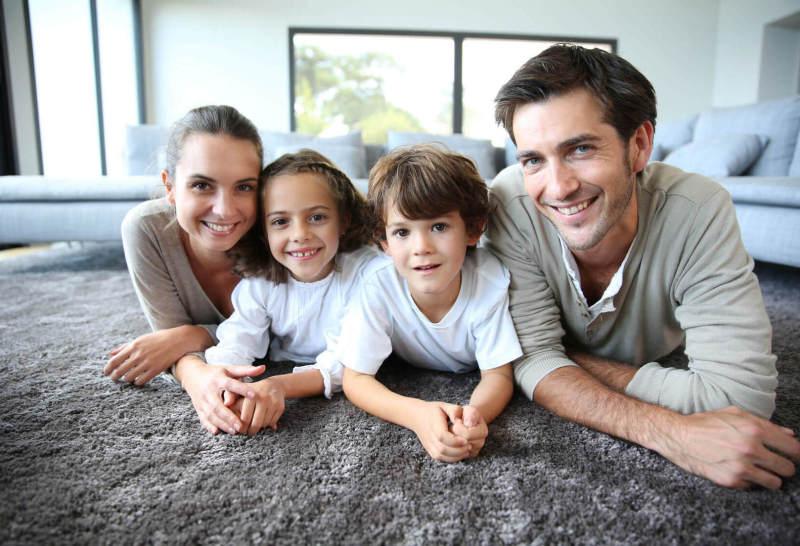 Detectius a Reus per families i particulars